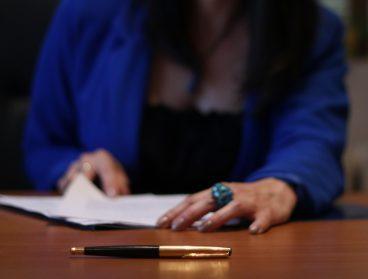 transacciones-comerciales-y-contratos